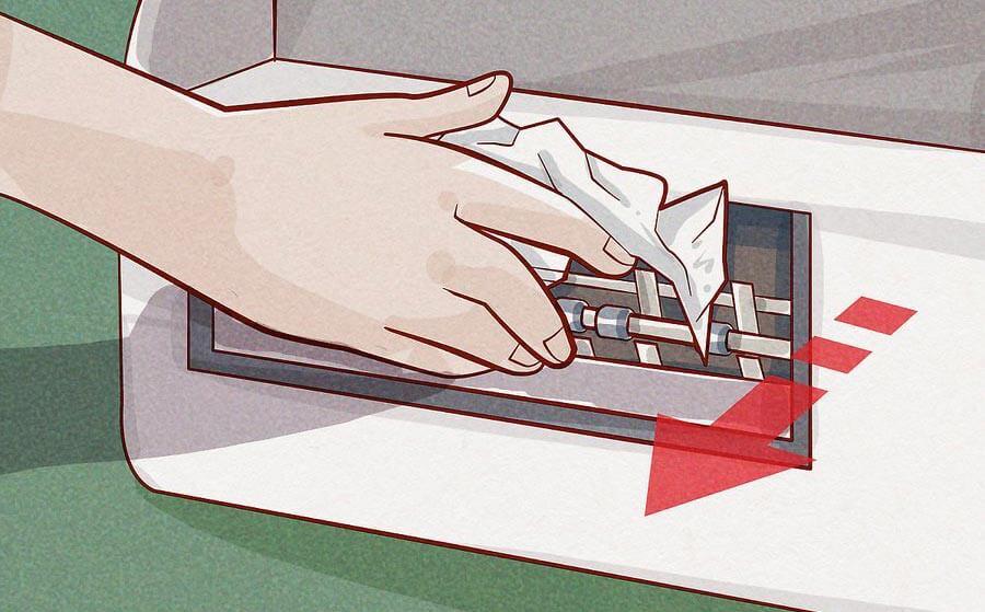 کاغذ را به آرامی خارج کنید